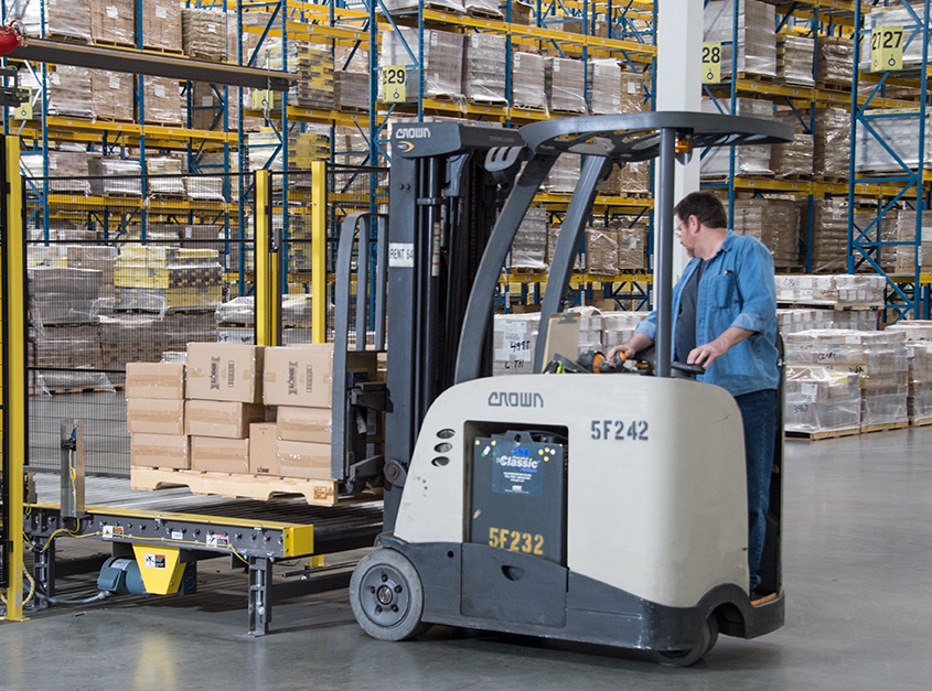 stand-up forklift RC Series from Crown